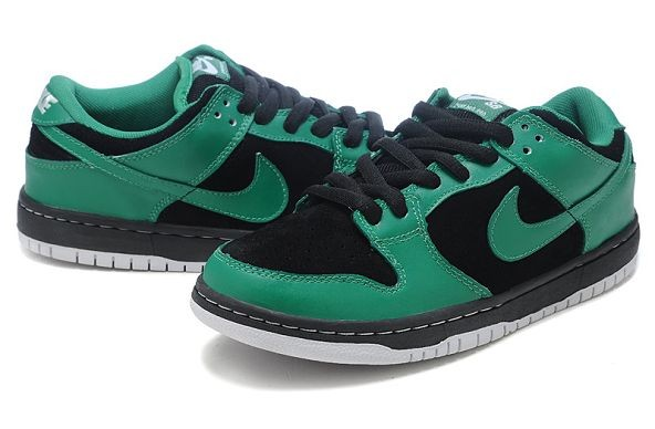 Mens Nike Dunk SB Low Shoes Black Green