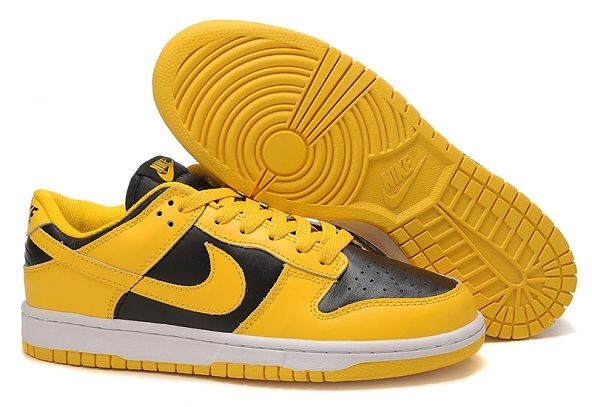 Mens Nike Dunk SB Low Shoes Black Yellow