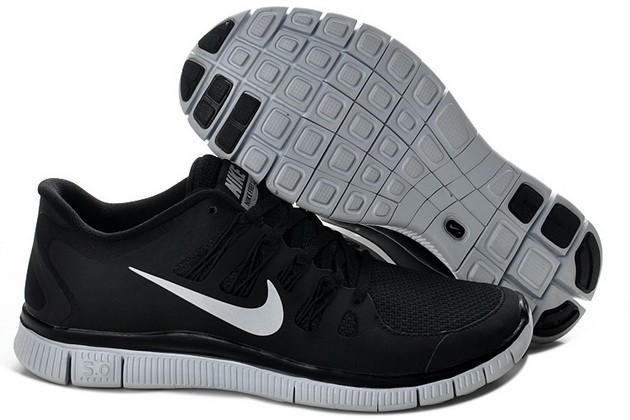 Mens Nike Free Run 5.0 V2 Black Silver Design Running Shoes
