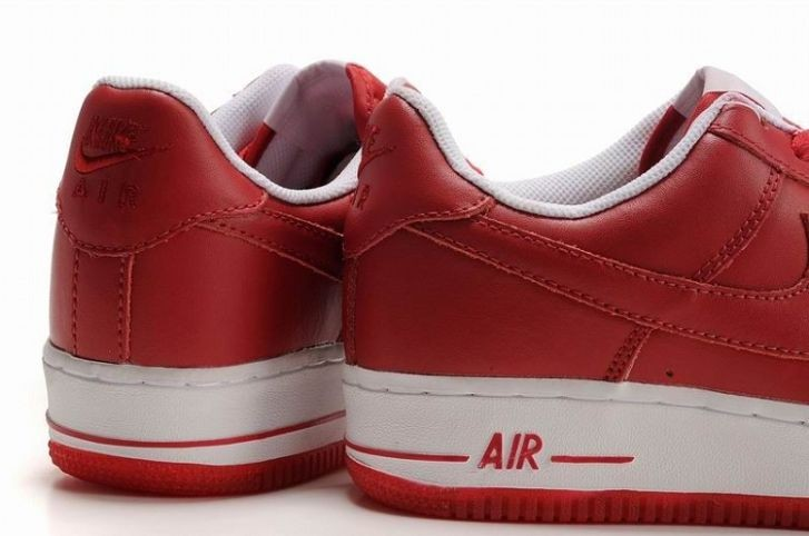 Nike Air Force 1 Low 07 Women\'s Shoe Red White