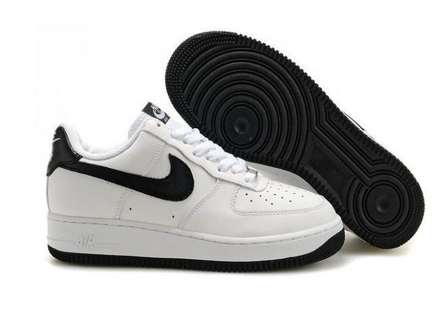 Nike Air Force 1 Low 07 Women\'s Shoe White Black