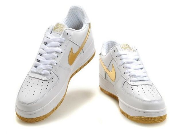 Nike Air Force 1 Low 07 Women\'s Shoe White Old Gold
