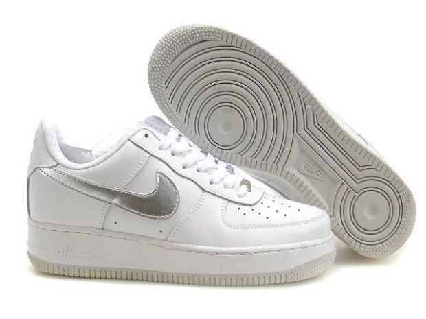 Nike Air Force 1 Low 07 Women\'s Shoe White Sliver