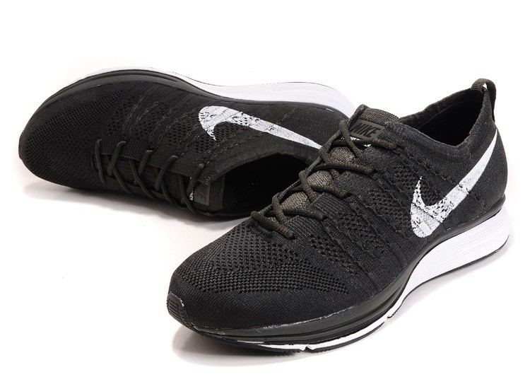 Nike Flyknit Trainer+ Woven Mens Running Shoes Black White