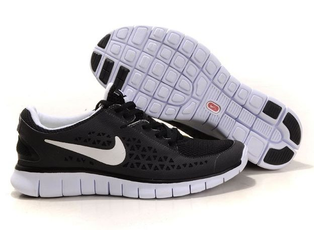 Nike Free Run Womens Shoes Black and White