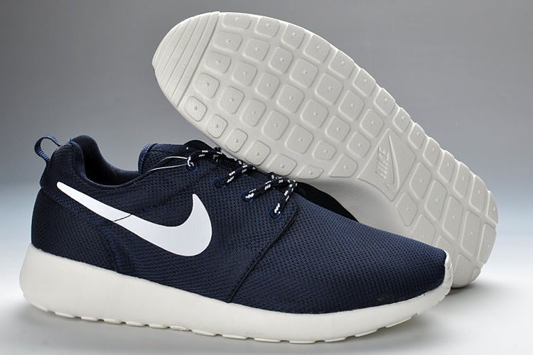 Nike Roshe Run Mesh Womens Trainers Dark Blue White