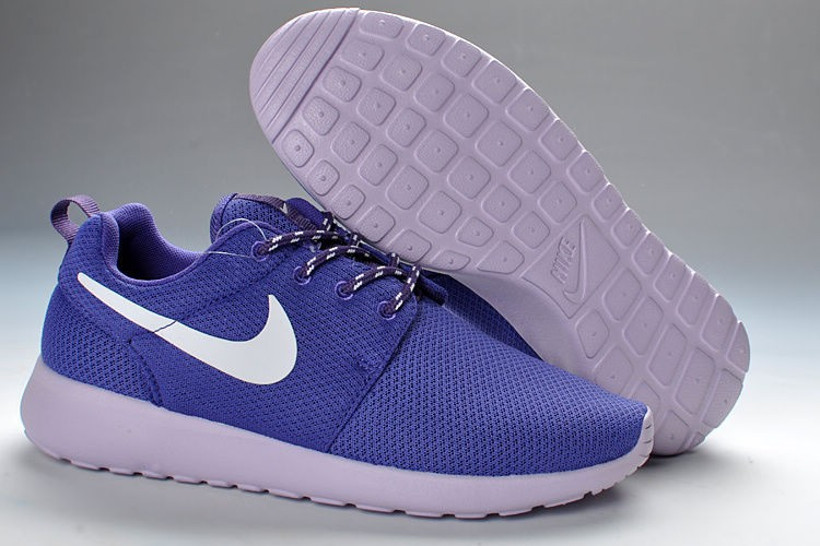 Nike Roshe Run Mesh Womens Trainers Dark Purple White