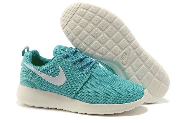 Nike Roshe Run Mesh Womens Trainers Pink Blue White